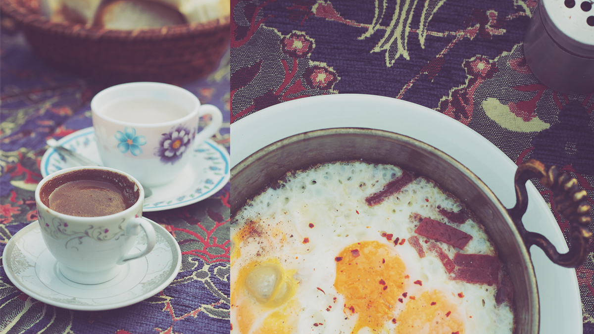 istanbul_traditional salep drink and eggs