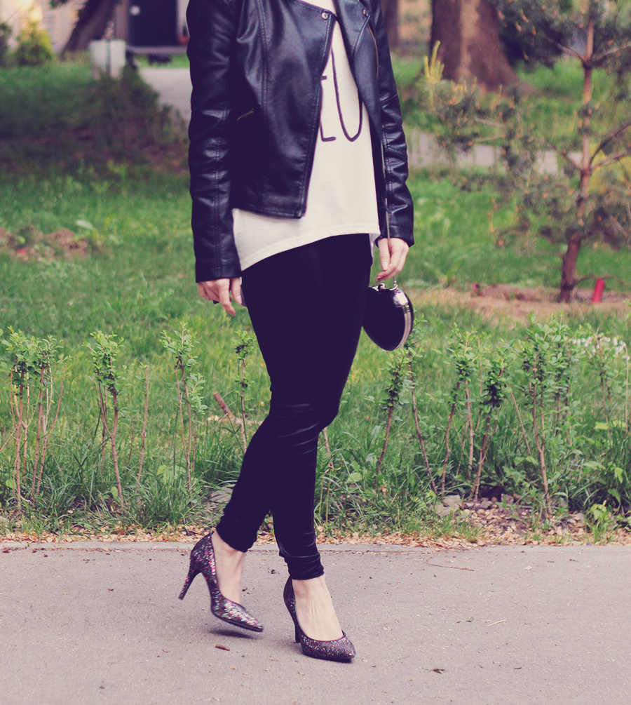leather_jacket_and_high_heels_2