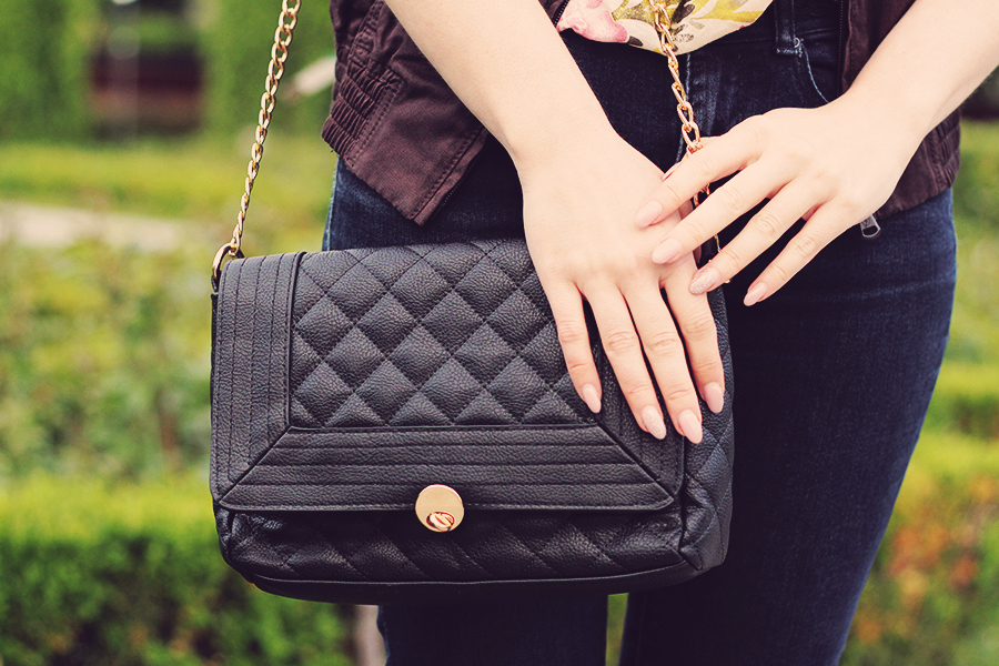 quilted_clutch_with_chain