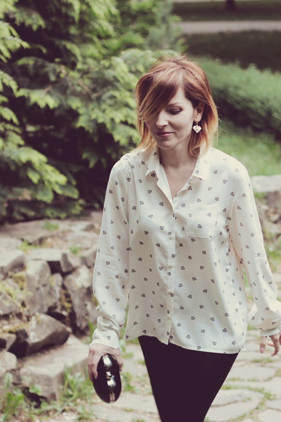 white_diamond_patterned_shirt