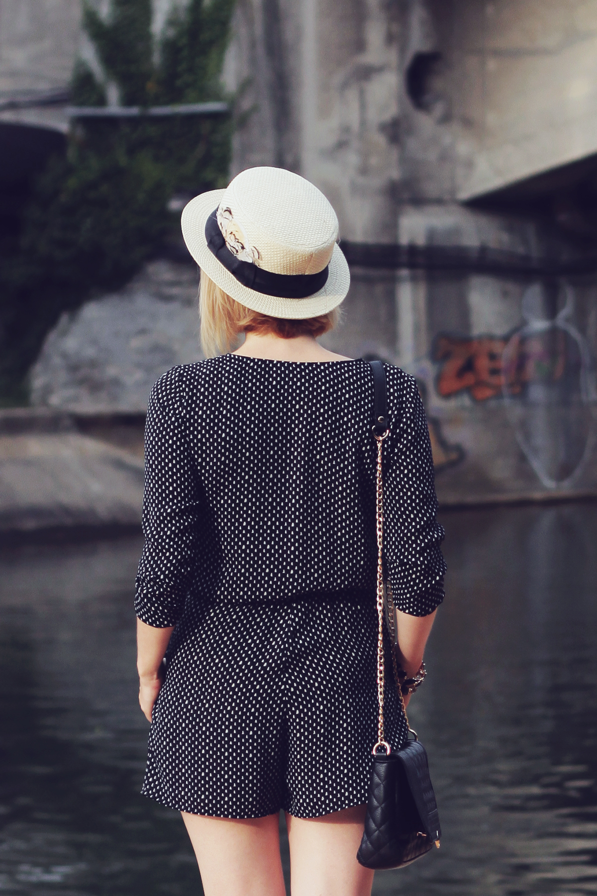 straw boater hat and romper4