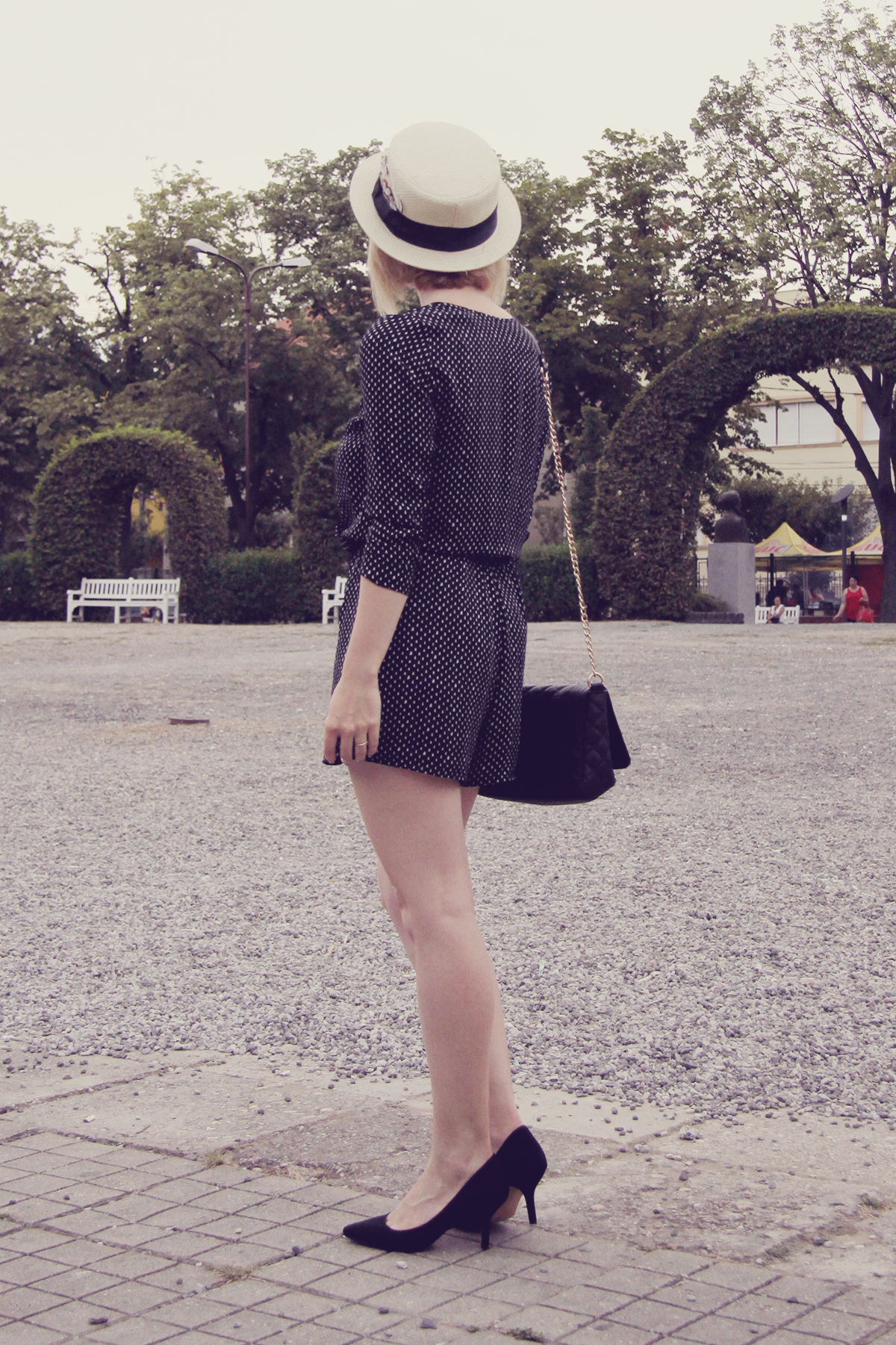 straw boater hat and romper6