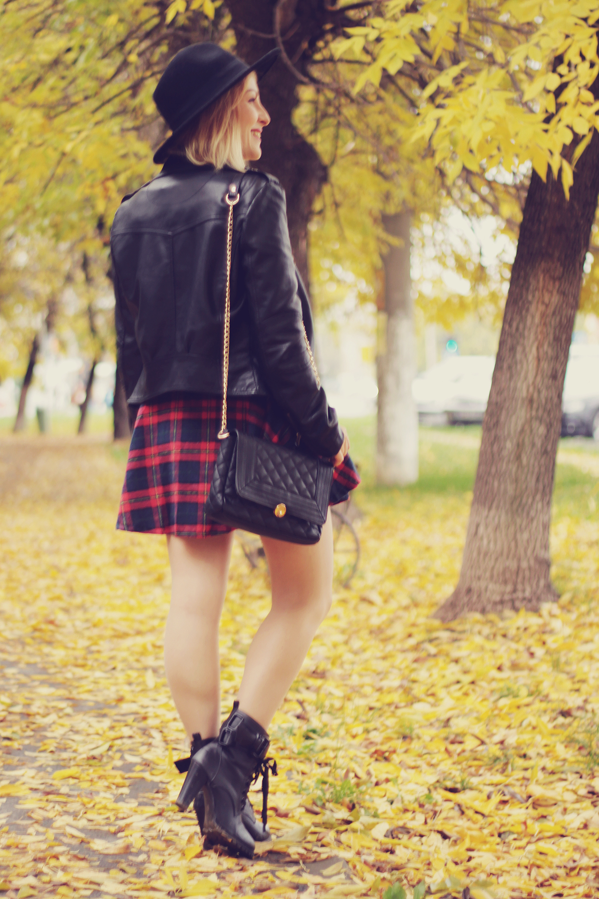 fall outfit red tartan