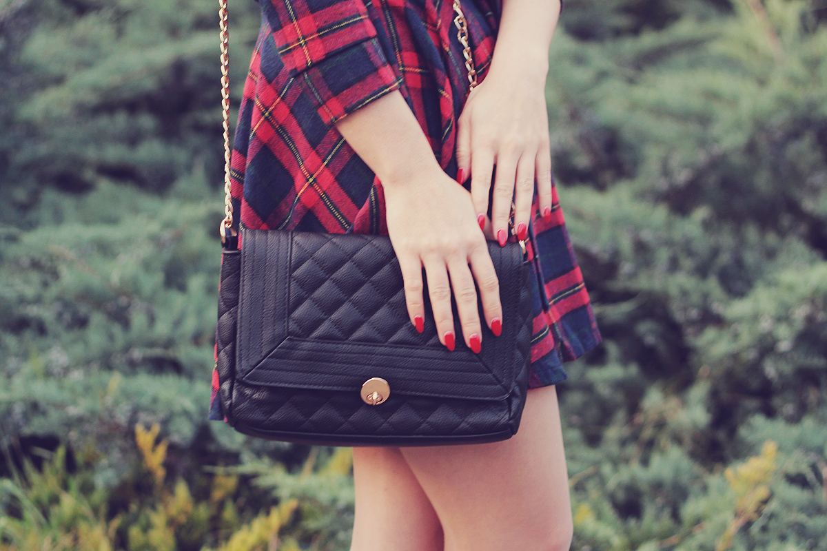 fall outfit tartan dress and black clutch