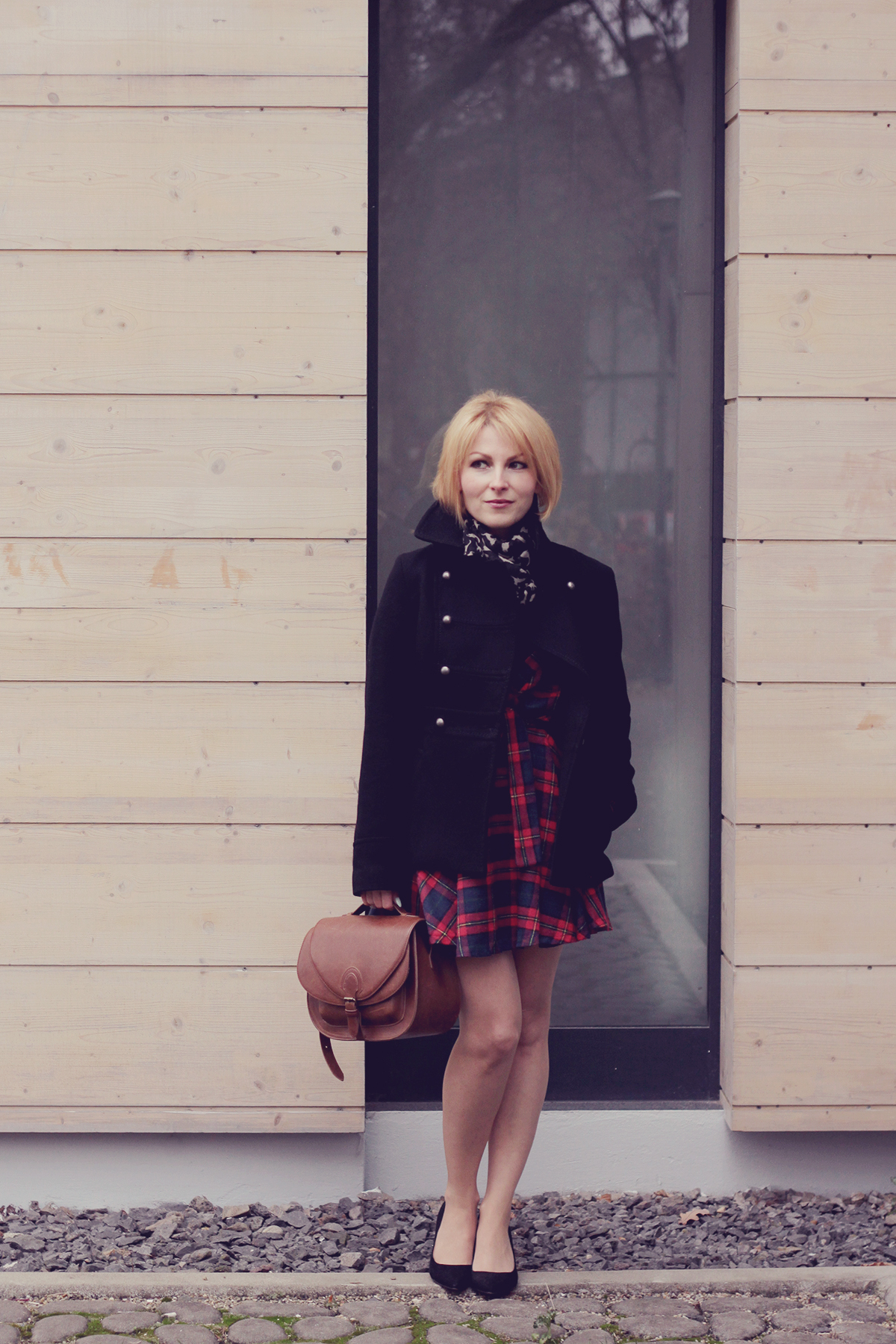 tartan dress_heels and black coat