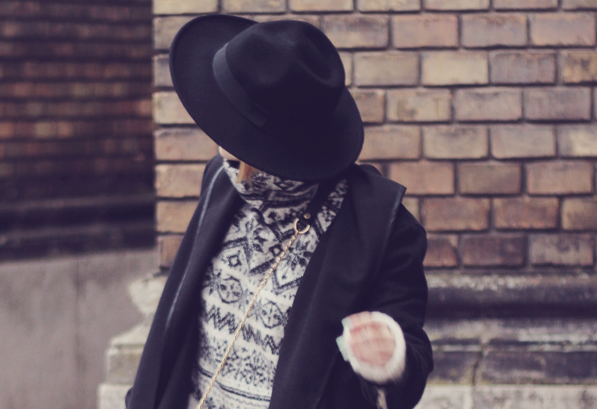 christmas winter jumper and black hat
