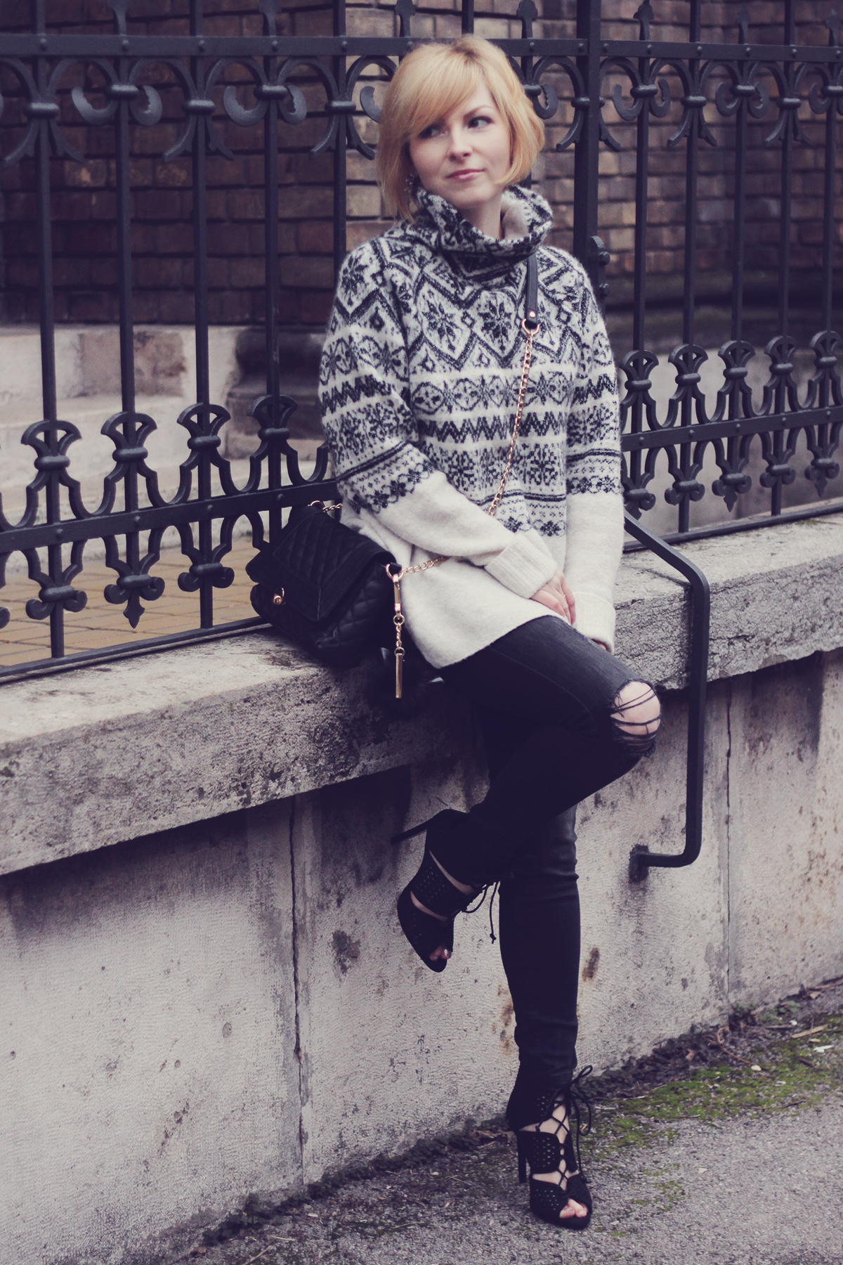 christmas winter jumper with jeans and heels