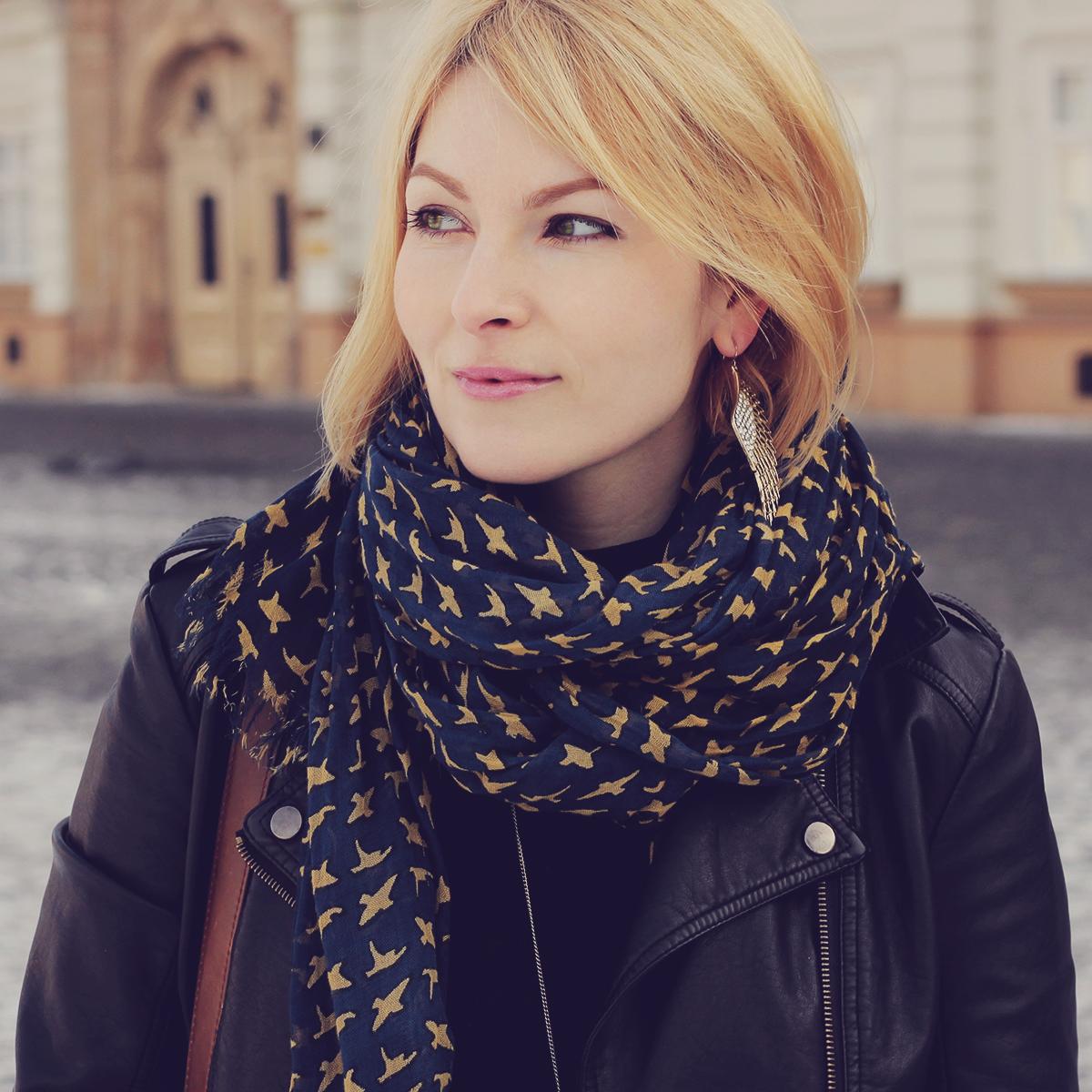 the bird pattern scarf