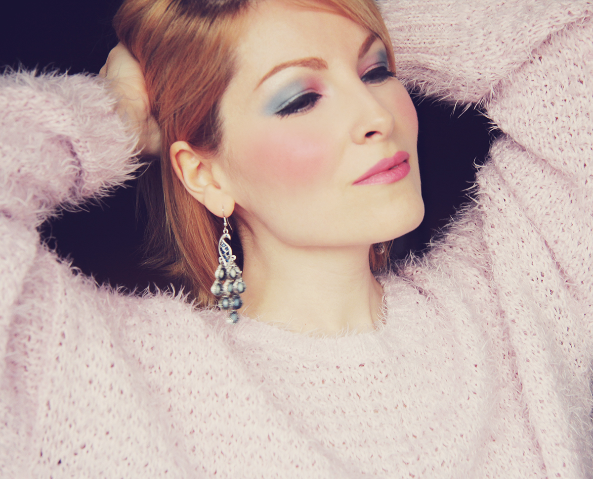 rose quartz and serenity make-up with fluffy jumper