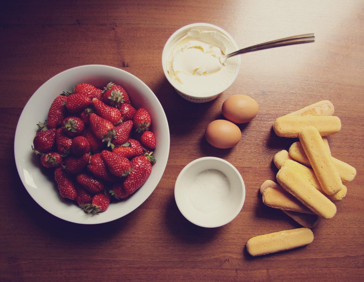 mascarpone cream and strawberries dessert ingredients