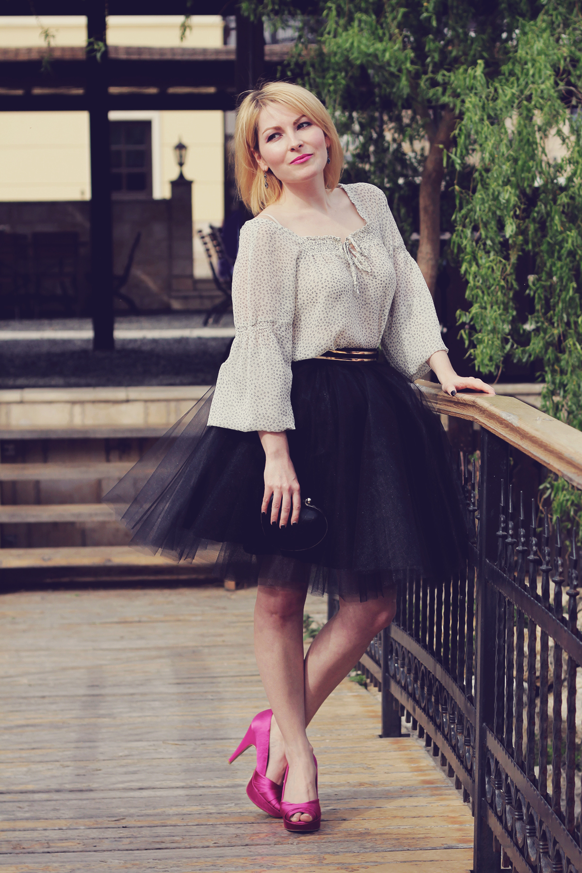 the tulle skirt and pink peep-toe pumps
