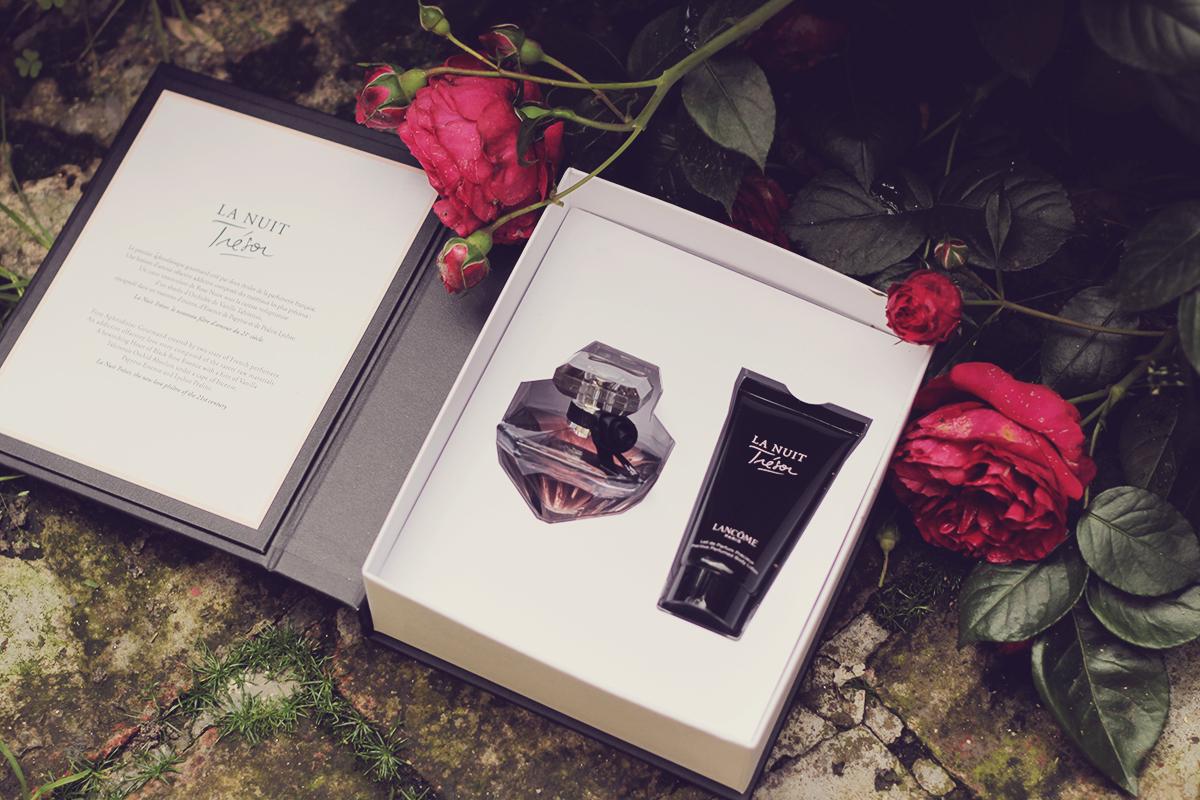 lancome le nuit tresor perfume gift box open
