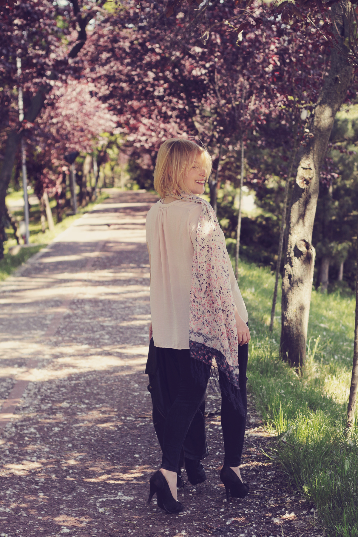 muted pink top and floral scraf
