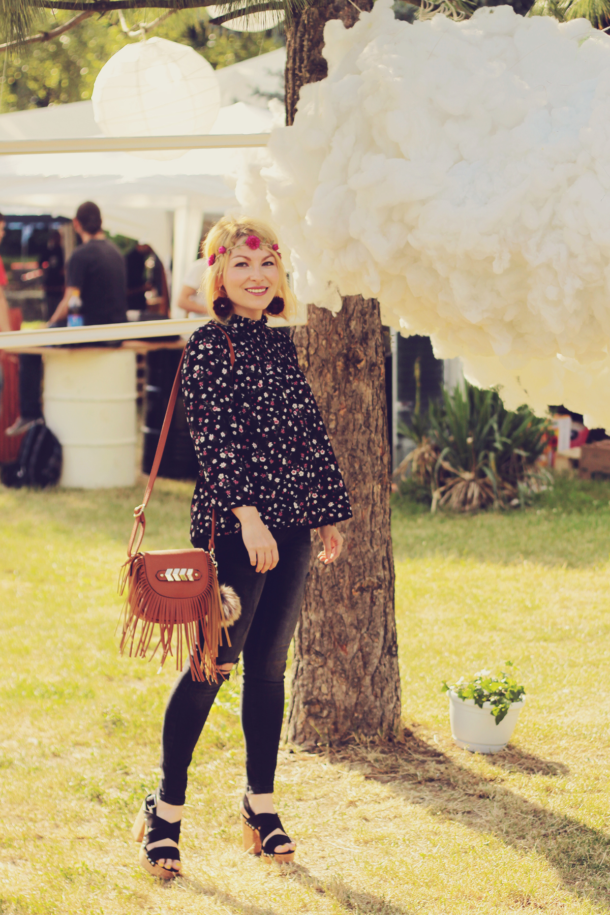 festival look_florals and fringes