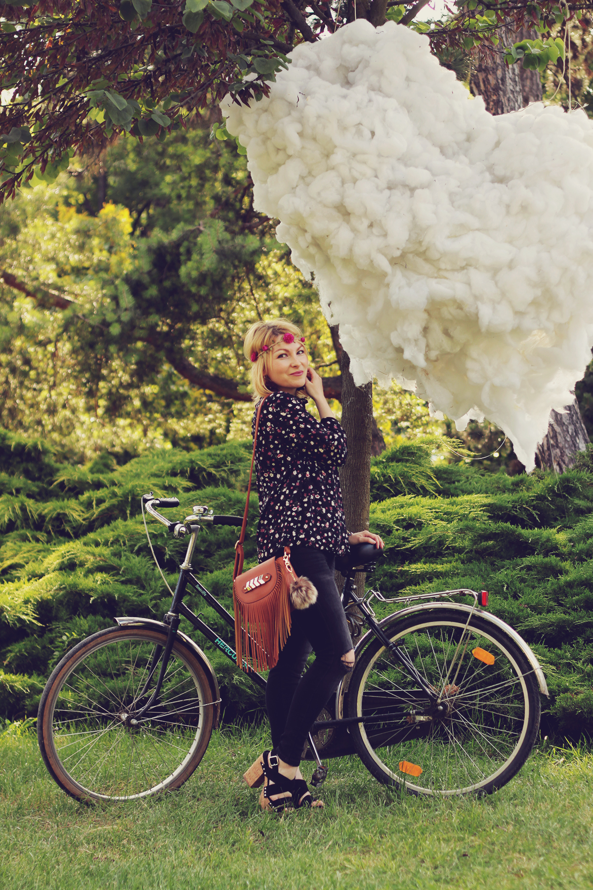 festival look_fringes and flowers and my bike