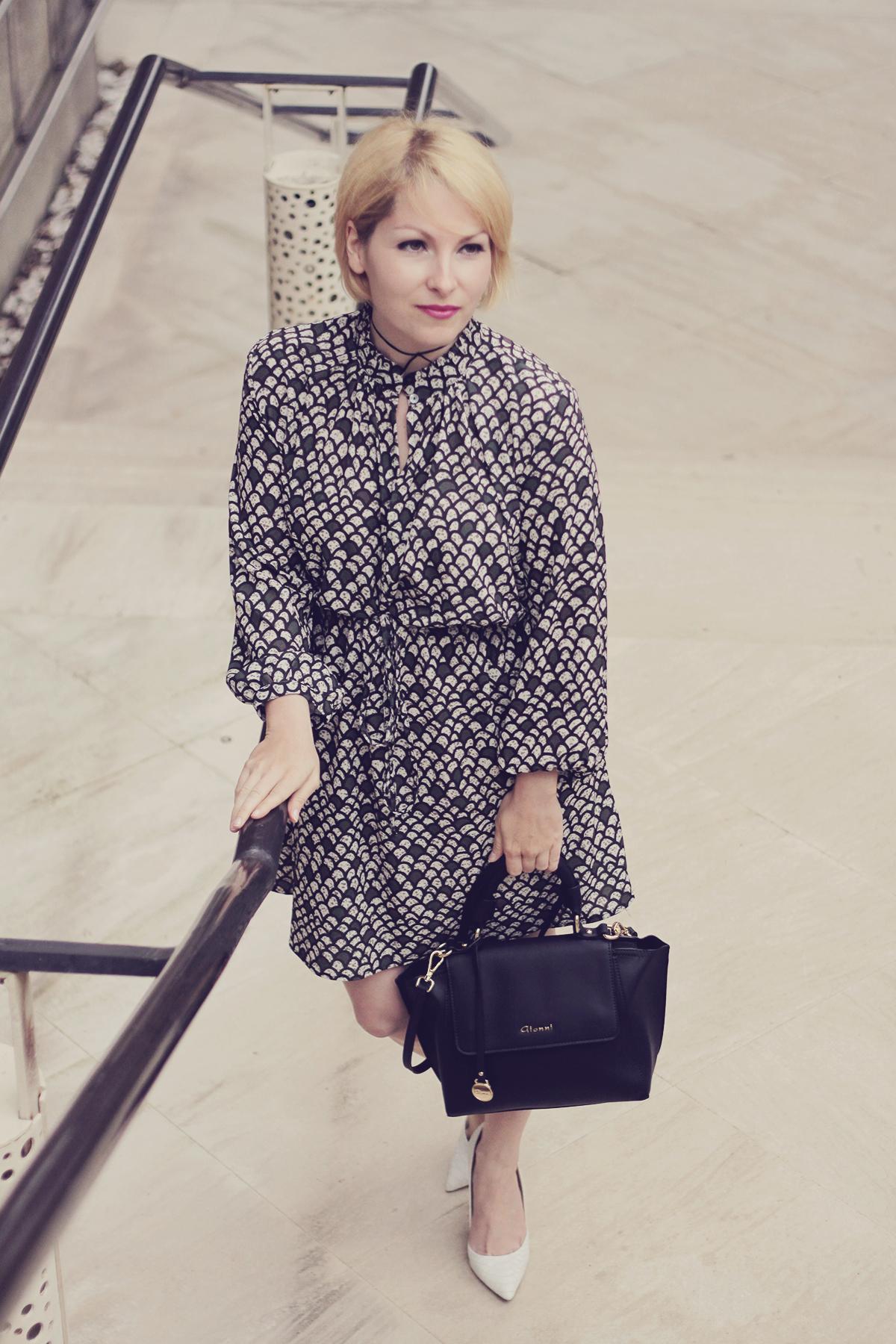bag and print dress