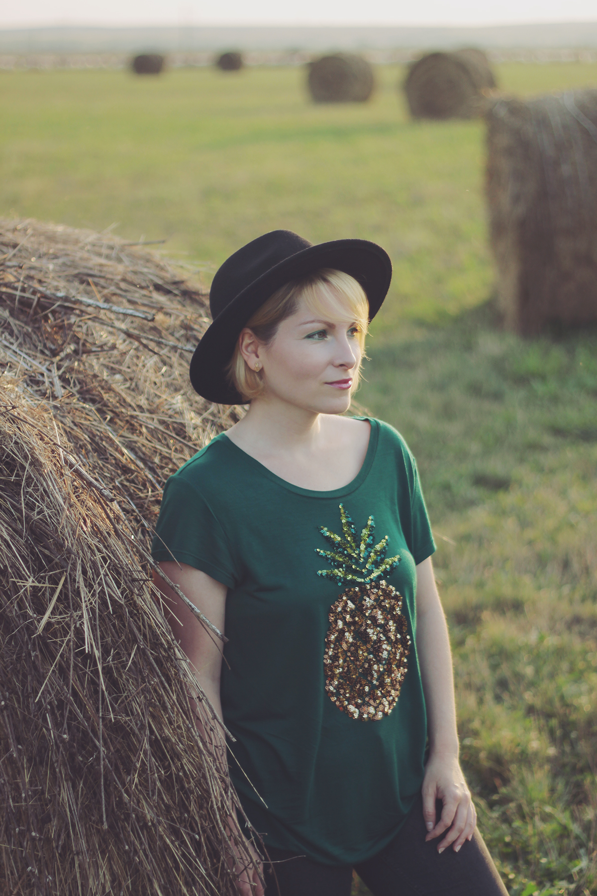 pineapple t-shirt and hat