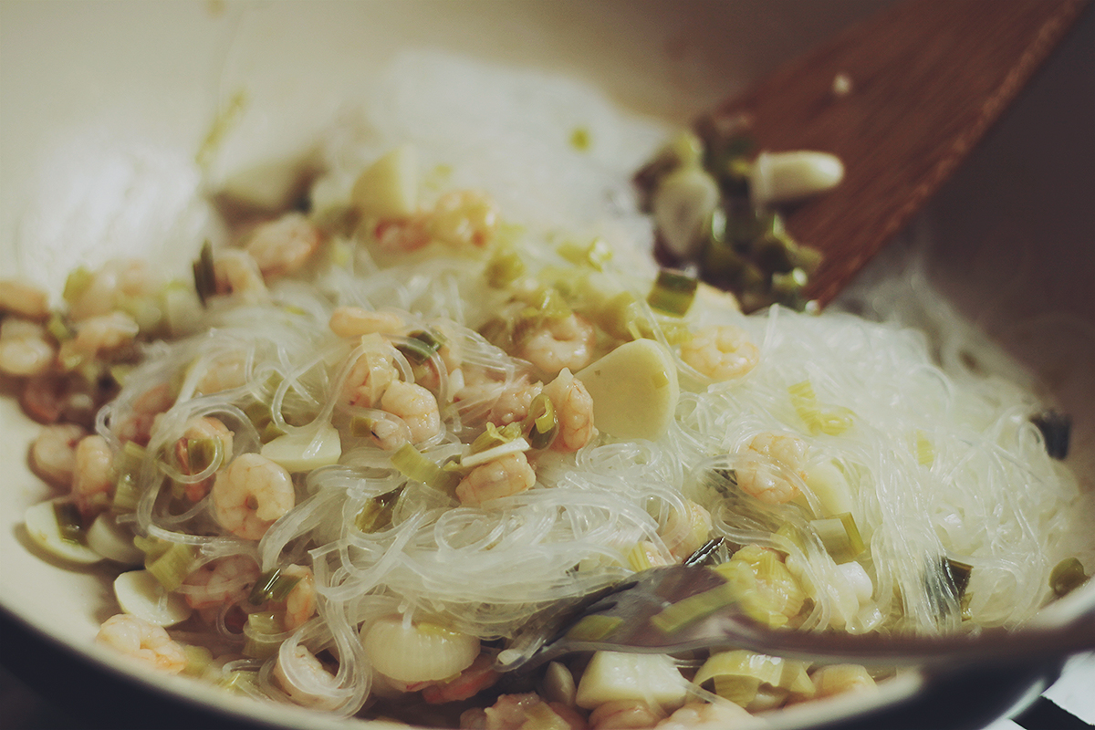 shrimp and rice noodles easy recipe