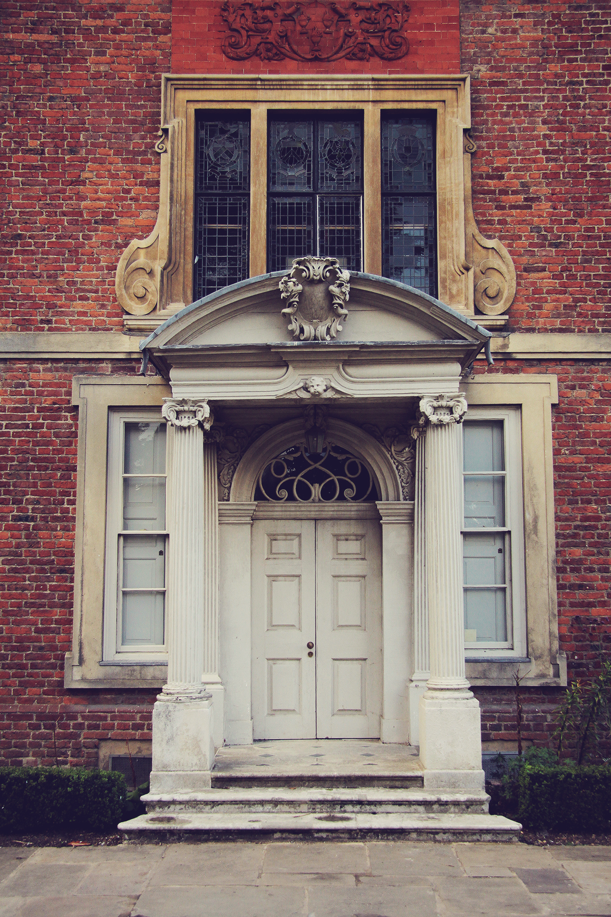 london-beautiful-door-at-forty-hall