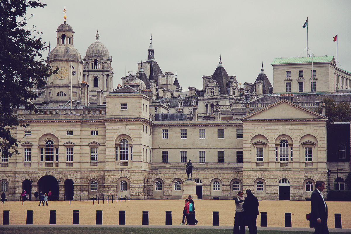 london-house-guards-parade