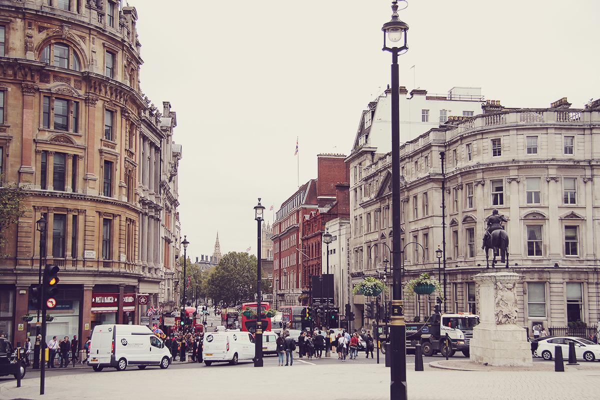 london-trafalgar-square-and-whitehall