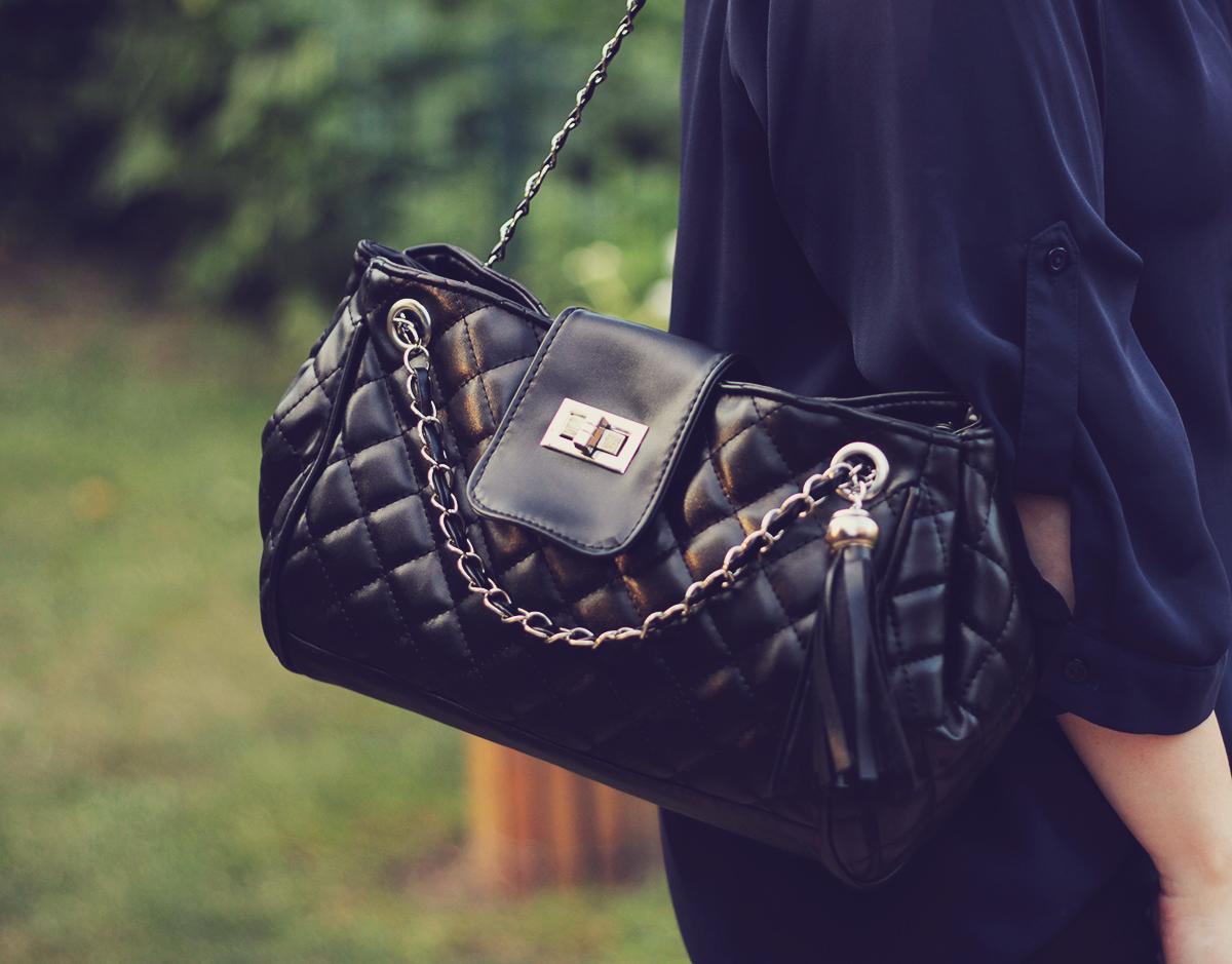 black chevron shoulder bag