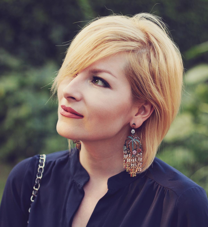 zara earrings and matte lips