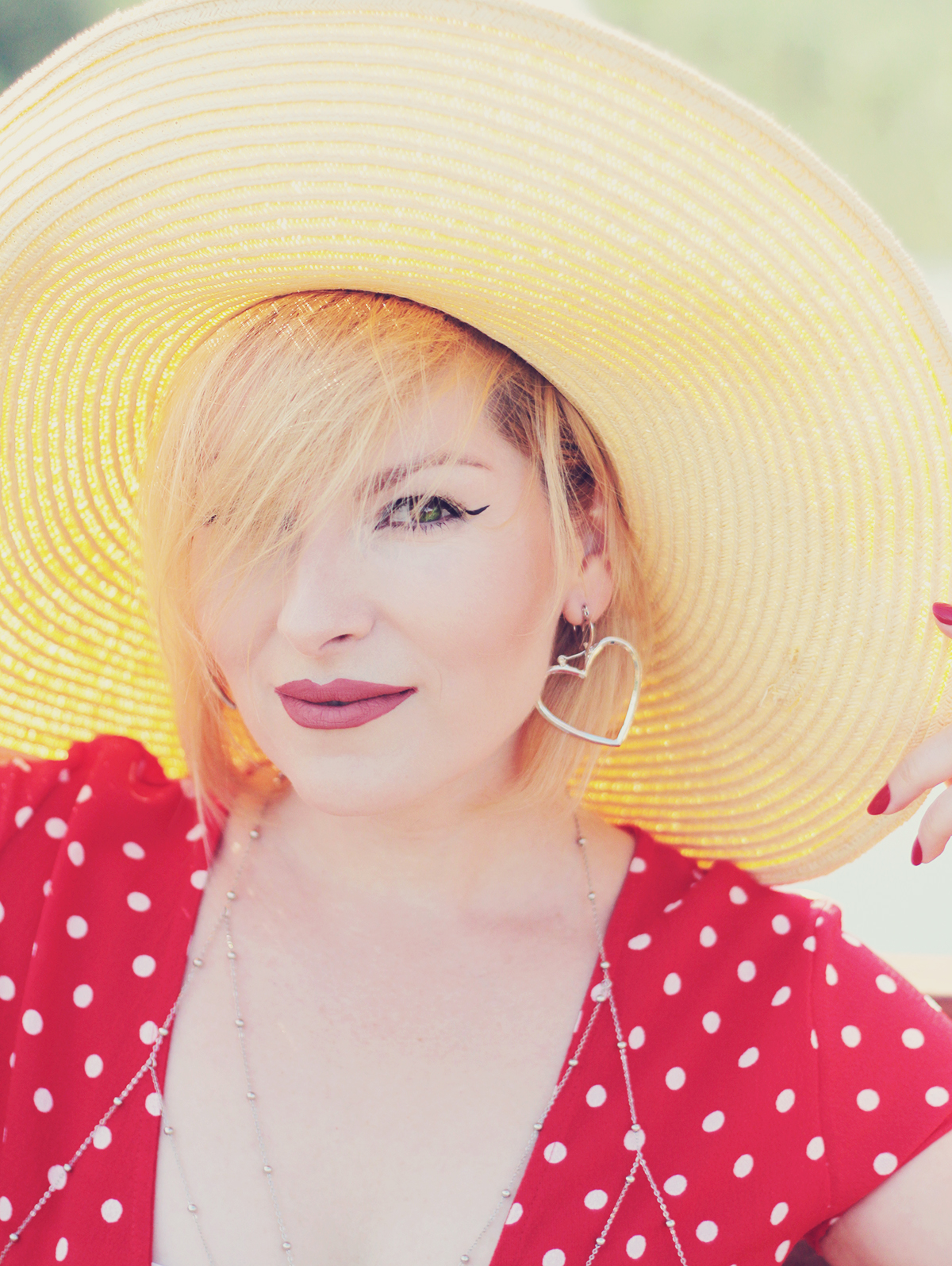 red polka dot dress, straw hat, matte lips, make-up, summer