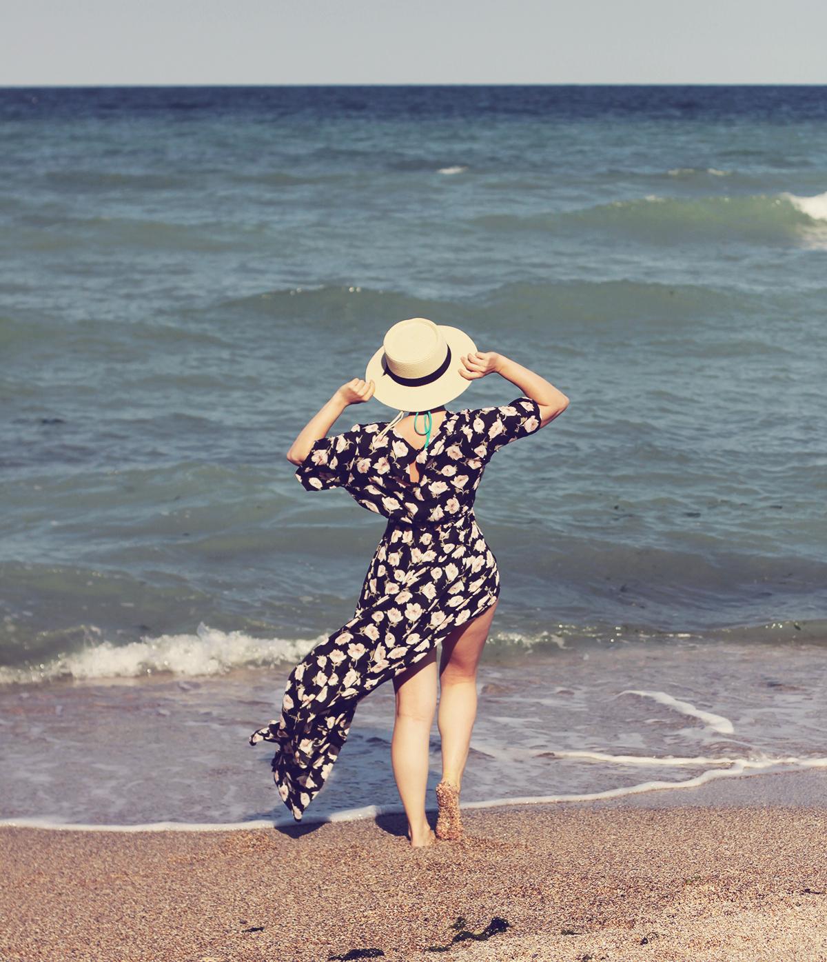 zaful floral print maxi dress, straw hat, beachside