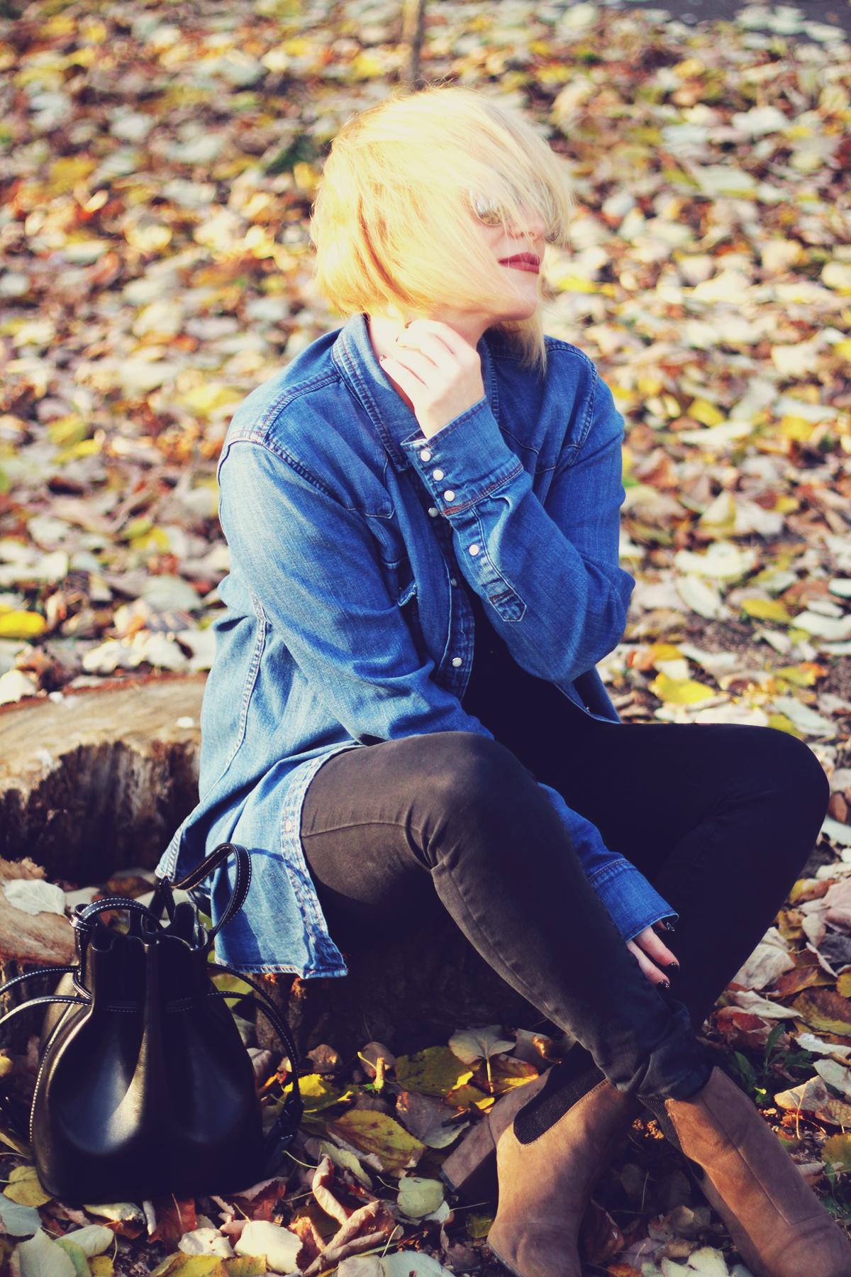autumn, denim shirt, swarovski vintage brooch, jeans, boots, bucket bag, aviator mirror sunglasses, blonde bob