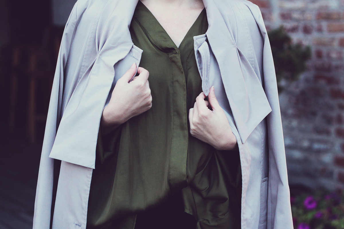 trench coat, loose green H&M Conscious top