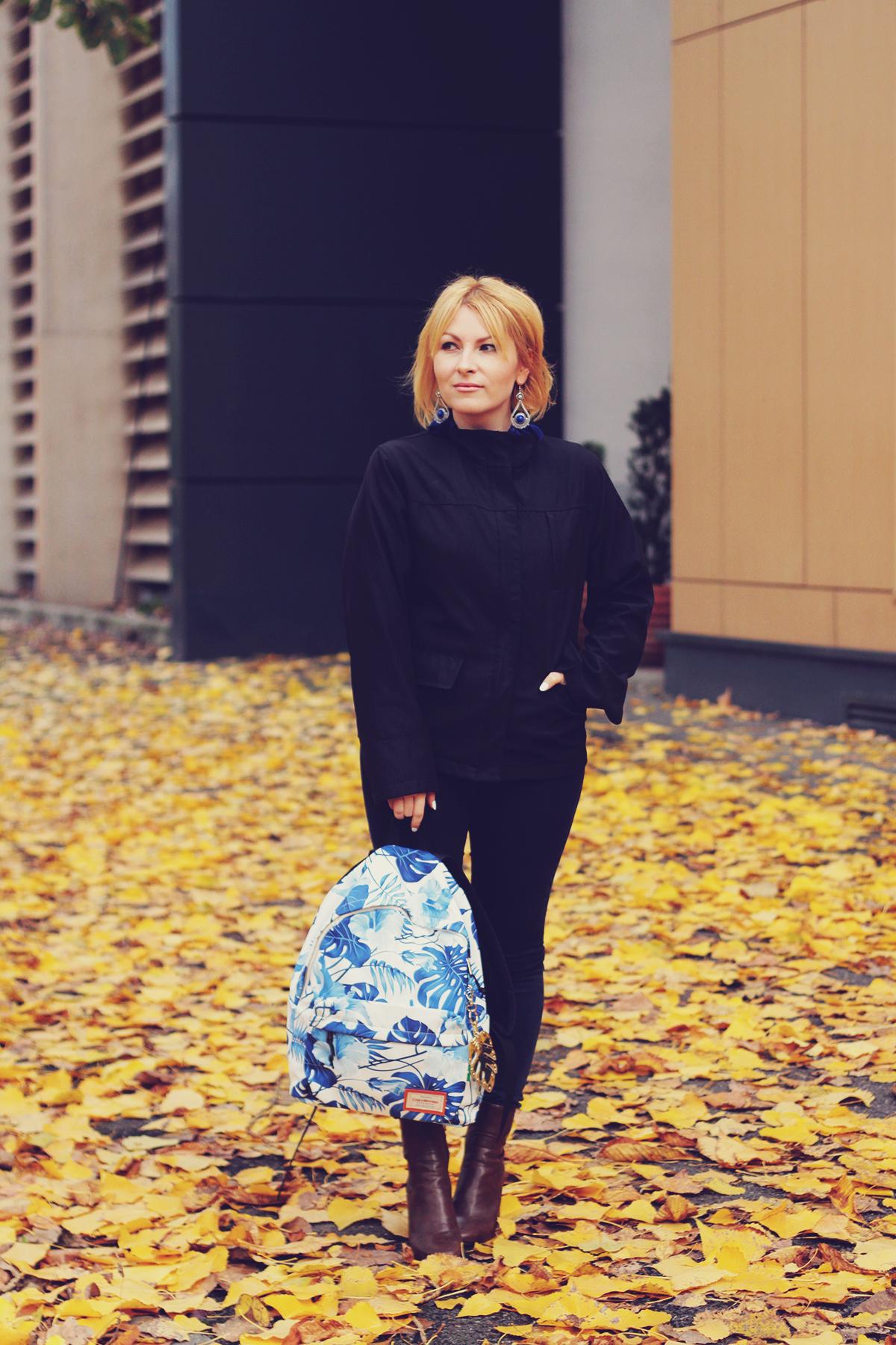 autumn, jeans, boots, tropical leaf print backpack, tassel earrings, navy jacket