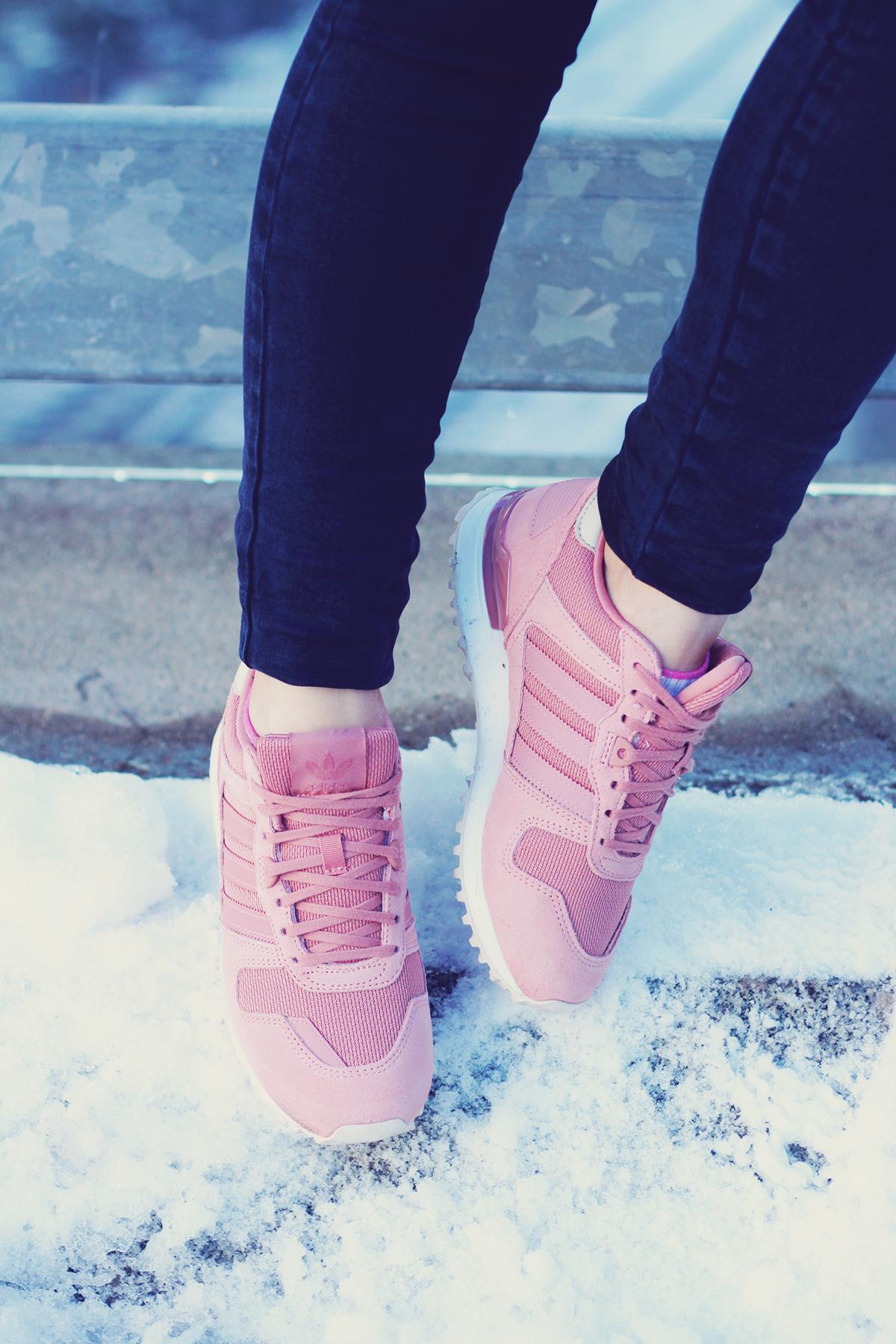 winter fashion, pink adidas originals, jeans, urban landscape, Vienna, snow