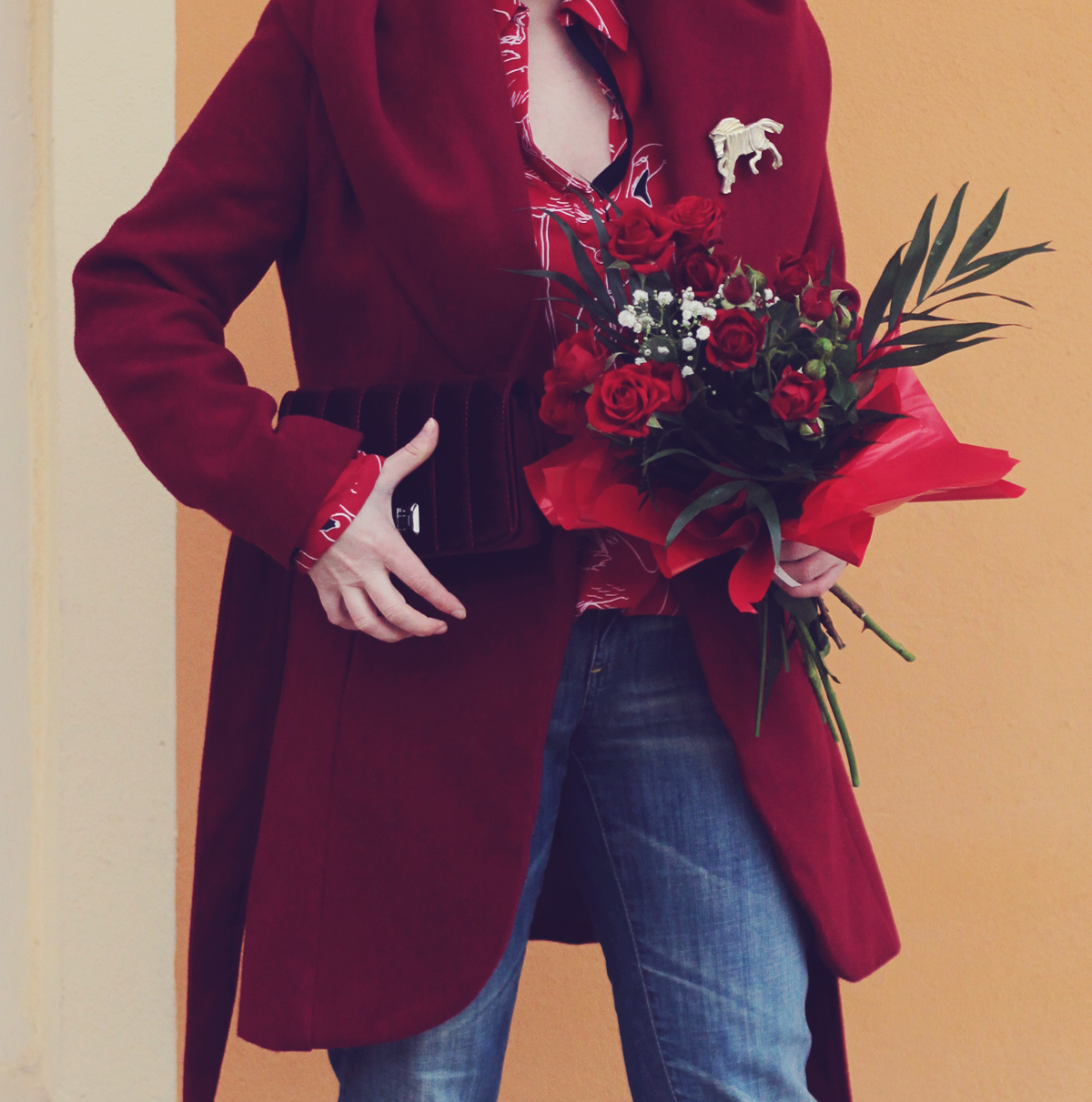 colorblocking, red, winter look, red flamingo shirt, red velvet mini bag, red roses bouquet, spring, red coat, big horse brooch