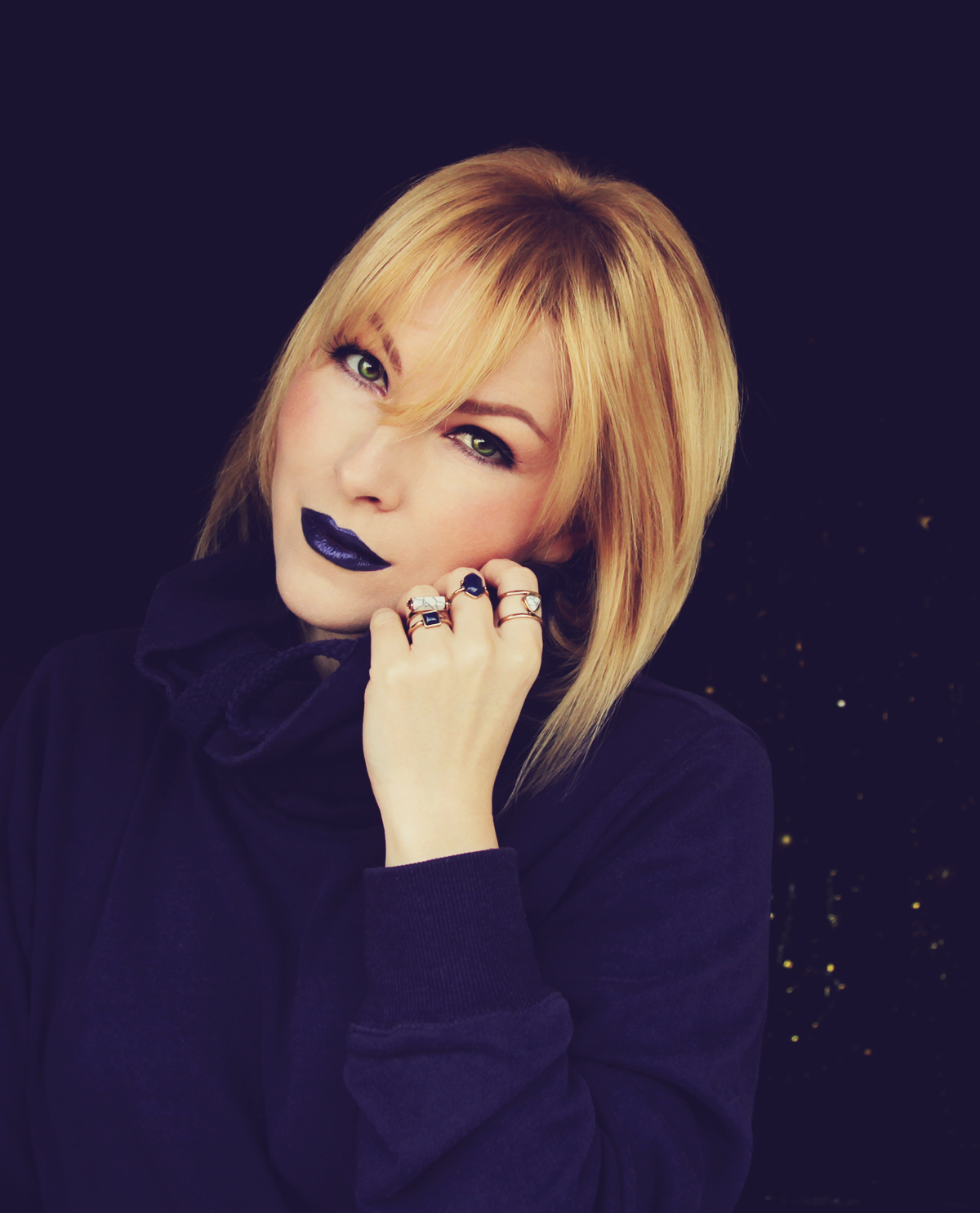 ultraviolet, color of the year 2018, blue lips, make-up, marble rings, blonde girl, violet hoodie, bob haircut with bangs, atomic blonde